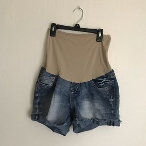 Wallflower maternity jean shorts